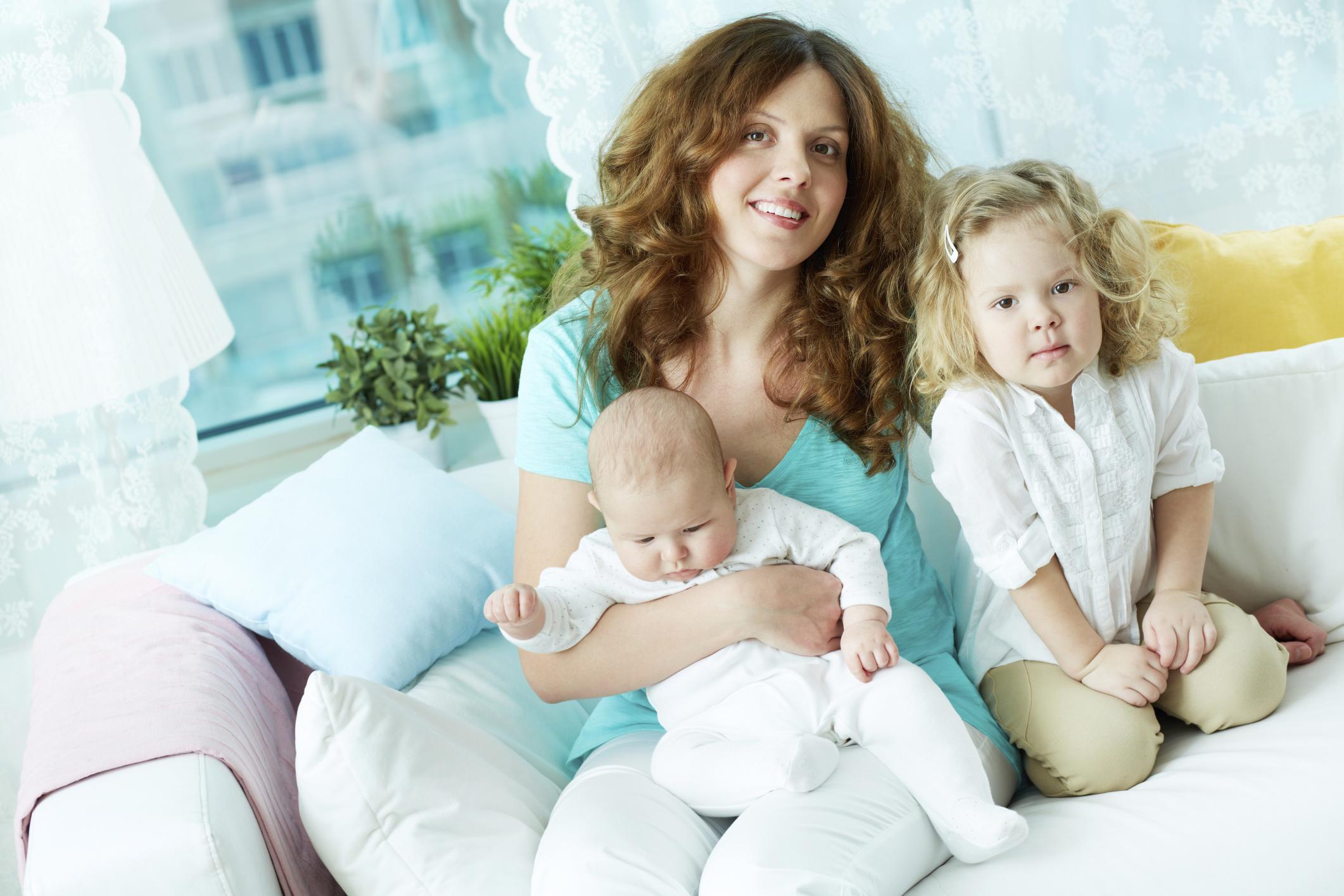 Memiliki Anak Kedua? Tips Menghadapi Balita dan Bayi Baru Lahir